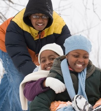kids-playing-in-snow-e1357154278704-1